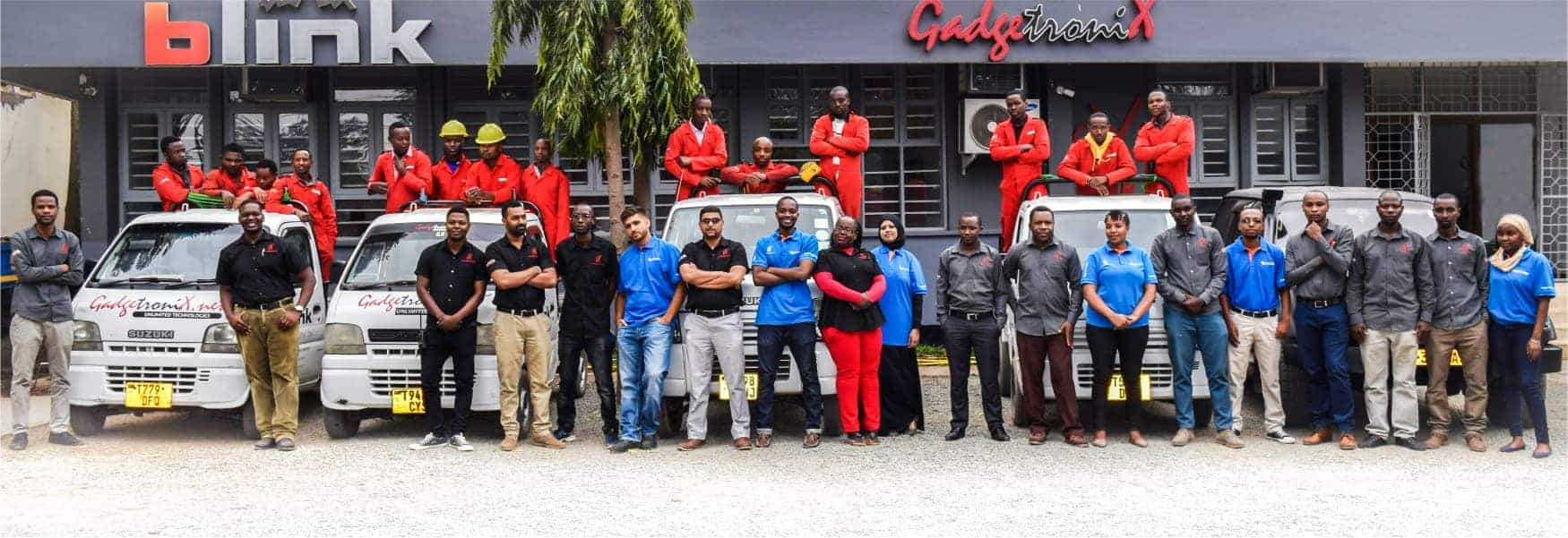 A group picture of Gadgetronix staff